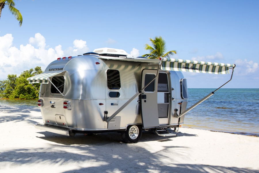 "Lifestyle: Airstream Caravan ""Tommy Bahama"" Special Edition"